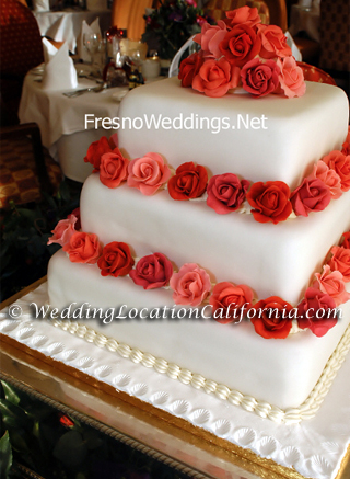 shell_wedding_cake.jpg